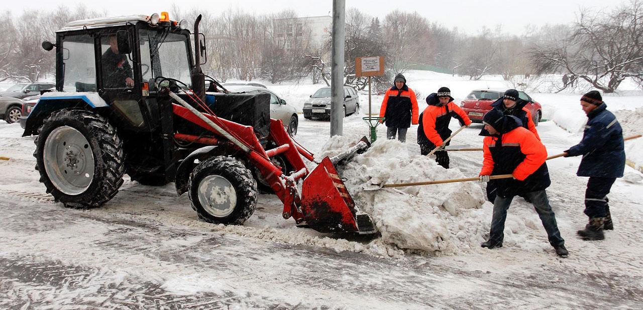 чистка парковок от снега