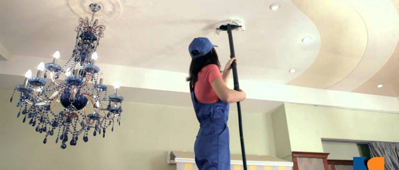чистка натяжных потолков
