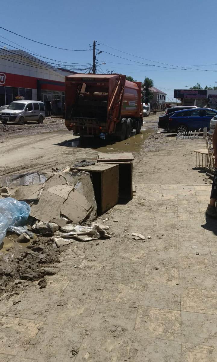 Уборка после затопления в Геленджике