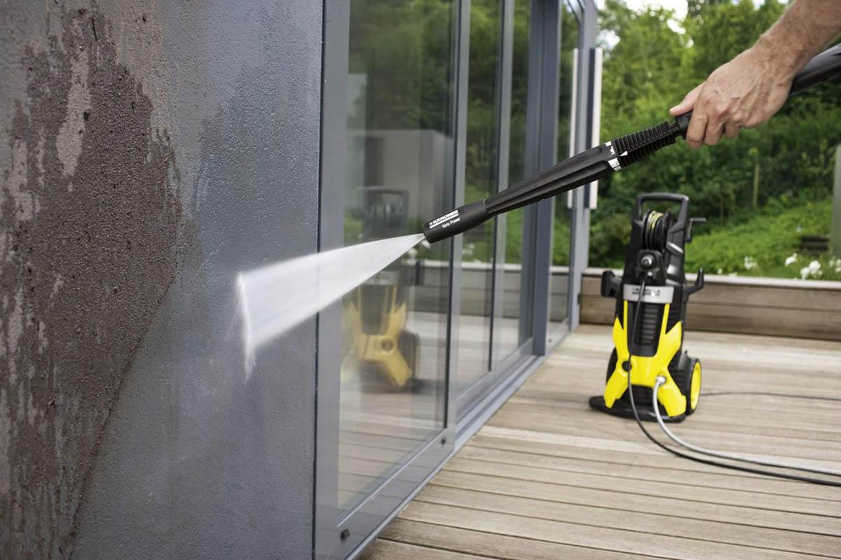 Почему нужно мыть фасады регулярно